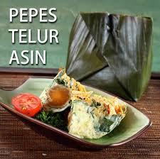 Siapkan daun pisang yg siap pakai, dan bungkus telur asin+rawit dengan balutan tahu. Resep Pepes Telur Asin Matang Resepkoki Co