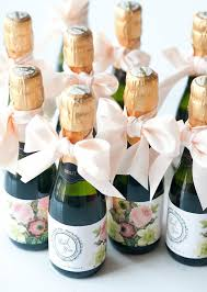 10 Wedding Favors Your Guests Won't Hate! http://www.