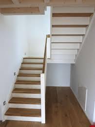 Holztreppe mit glaswänden und podest von siller treppen/stairs/scale | homify. Wangentreppen Von Feuerstein Treppen De