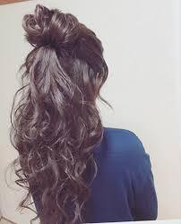 Moriyama Mamiさんのヘアスタイル ハーフアップお団子 ヘア