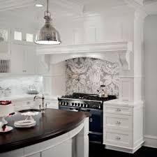 Mid Sized Elegant U Shaped Eat In Kitchen Photo In Los Angeles With