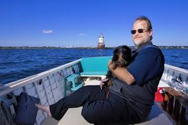 Stamford lighthouse owner wants to sell, but not to just anyone