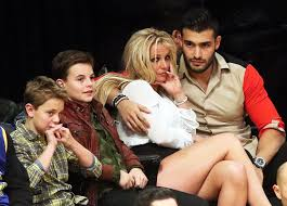 Britney spears' custody agreement scales back the amount of time she gets to spend with her two sons. Britney Spears Fears For Her Custody After Dad S Fight With Son Sean