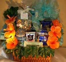 custom gift baskets hawaiian theme anniversary this couple got married in maui and wanted a hawaiian themed basket for their first anniversary