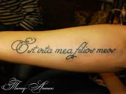 тату надписи на латыни 77 фото татуировок на разных частях тела