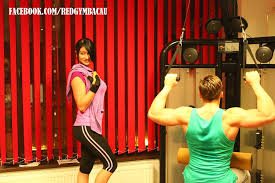 beneficiile unui antrenament de culturism la red gym tonifica si ajuta la cresterea masei musculare creste rezistenta la efort