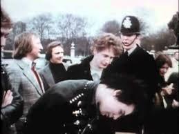 <b>Sex Pistols</b> - Holidays In The Sun - YouTube