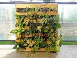 some of the other vertical pallet gardens we ve looked at have been pretty big they are beautiful but if you live in a smaller home with a smaller yard