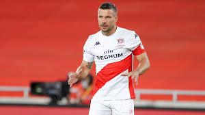 Lukas podolski ätzt auf twitter gegen bayer leverkusen. Lukas Podolski Verlasst Seinen Klub Antalyaspor Im Unfrieden Was Fur Eine Schande Eurosport