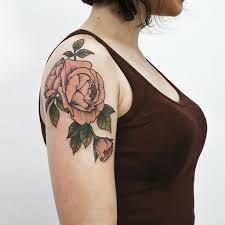 три розы на плече Tottem