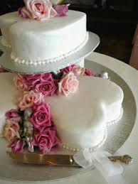 Pictures Of Heart Shaped Wedding Cakes