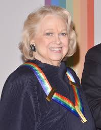 Barbara Cook poses on the red carpet during the The 36th Kennedy Center Honors gala at the Kennedy Center on December 8, ... - Barbara%2BCook%2B36th%2BKennedy%2BCenter%2BHonors%2BGala%2BiR-FG5gJQbGl