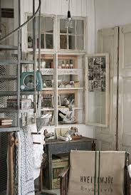 Decorate Old Windows 231 Best Decorate With Old Windows And Doors Images On Pinterest