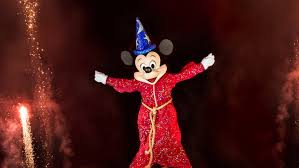 Fantasmic <b>Dinner</b> Packages | Disneyland Resort
