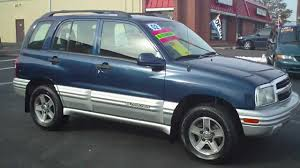 02 Chevrolet Tracker 4x4 - YouTube