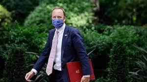 فيروس كورونا: استقالة وزير الصحة البريطاني مات هانكوك بعد مخالفته قواعد  التباعد الاجتماعي