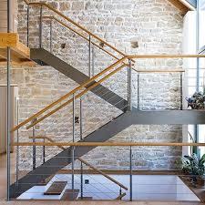 Im privaten wohnbau werden treppen üblicherweise aus holz gezimmert oder es werden betontreppen aus fertigelementen und mit standardmaßen eingebaut. Holz Stahl Treppen Von Ets Treppenbau Treppenbau Treppe Holz Treppe