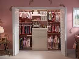 Choosing Closet Doors | HGTV
