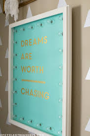 dreams-are-worth-chasing-quote-DIY-marquee-sign-