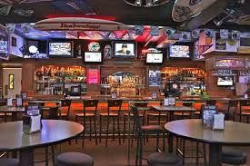 SPORTS BAR IDEAS  Hot Dining Catch The Action At Real Sports Bar Sport Bar Design Ideas