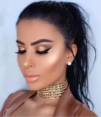 super glowy make up look