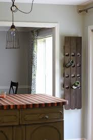pallet wall wine rack. View In Gallery DIY Riddling Wall Wine Rack Pallet