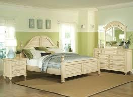 Vintage White Bedroom Furniture Cottage White Bedroom Furniture ...