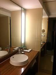 average size bathroom. Four Points By Sheraton Hangzhou, Binjiang: Average Size Bathroom
