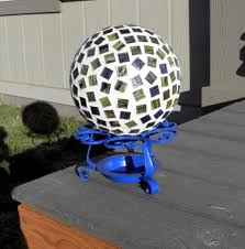 Bowling Ball Decorations Awesome 32 Decorating Ideas Summer Garden With You Bowlingkuggeln Interior