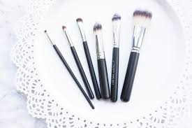 hey lovelies recently i received the most beautiful makeup brushes in the post from the lovely crown brush i don t have many good quality makeup brushes