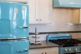 Retro Kitchen Design Kitchen Style Vintage Style Kitchen Mixes Retro Decor With