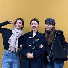 ฮเยริพูดถึงมิตรภาพของเธอกับโรเซ่ BLACKPINK   Kpop ข่าวบันเทิงเกาหลี  ดาราไอดอล และศิลปินเกาหลี ซีรี่ย์เกาหลี MV เพลง ละคร แซ่บ..ทันเหตุการณ์