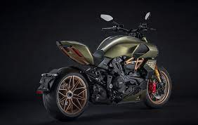 Overall, the diavel 1260 is something that you can get out and ride every day and that's the test of a good motorcycle. 2021 Ducati Diavel 1260 Lamborghini Guide Total Motorcycle