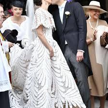 Oscar De La Renta Designer Wedding Dresses This Bride Wore The Prettiest Oscar De La Renta Dress At Her
