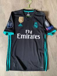 The new real madrid away goalkeeper jersey is a bold orange color this season accompanied by white trim. Original Adidas Real Madrid Away Jersey 2017 18 Ucl Size Small As New Sports Sports Apparel On Carousell