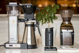 This automatic coffee brewer is equipped with a grinder for grinding the whole coffee bean. The Best Automatic Coffee Maker Of 2019 Clive Coffee