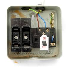 memera 3 two way metal fusebox interior of a mem 2 way metal fuse box