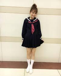 制服の鈴木奈々