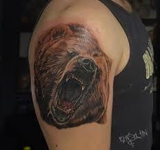ревущий медведь тату на плече у мужчины фото татуировок
