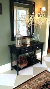 foyer table and mirror decoration