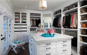 walk in closet design for women. This Design Is On The Smaller Side Out Of All Featured Closets, But It\u0027s Still A Sizable Option. It Has Glass Faced Cabinets For Sweater Storage, Walk In Closet Women I
