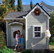 this playhouse is absolutely adorable if you have a little or girls that likes to pretend that they are a princess then this might be something they d