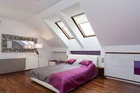 Zolder Slaapkamer Schuin Dak Inbouwkasten Op Planten Voor Behang