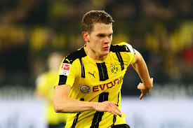 Borussia dortmund gmbh & co. Opinion Matthias Ginter Should Be The Starting Right Back Fear The Wall