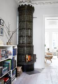 Dark Swedish Fireplace (Mrk Kakelugn) in Living Room