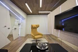 Living Room Big Flat Screen TV With Hardwood Floor Comfortable - Comfortable tv chair
