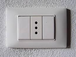 italian electric socket photo