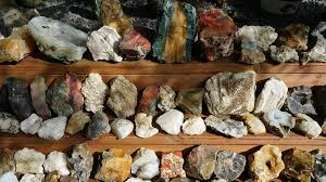 How to Start a Rock Collection: A Guide For Newbie Rock Hounds
