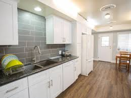 Quartz Vs Granite Countertops For Kitchens Interior Light Wooden Flooring Design Ideas For Kitchen Ideas