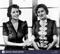Rose Fitzgerald Kennedy con su madre, Josephine Fitzgerald. Ca. 1930.  (CSU_ALPHA_1052) Archivos CSU/Everett Collection Fotografía de stock - Alamy